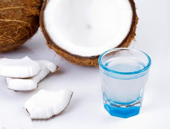 agua de coco para el desayuno